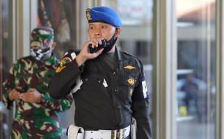 Kisah Serka Panji dan Sertu Widarto yang Selalu Kawal KSAD Bersama Istri - JPNN.com