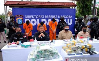 Detik-detik Oknum Perwira Polisi Pengkhianat Bangsa Ditembak, Menegangkan - JPNN.com
