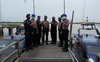 Bea Cukai Tembilahan dan Polairud Inhil Perkuat Pengawasan di Perairan - JPNN.com