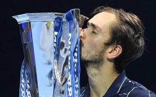 Kalahkan 3 Besar, Daniil Medvedev jadi Juara ATP Finals 2020 - JPNN.com