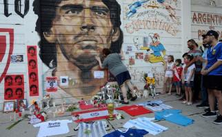 Maradona Tutup Usia, Napoli Berencana Melakukan Ini Untuk Mengenang Jasanya - JPNN.com