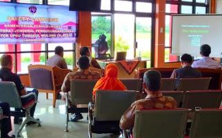 UPBU Bandara Tunggul Wulung Ajak Warga Cilacap Peduli Keselamatan Penerbangan - JPNN.com