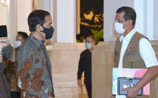 Presiden Jokowi dengan Rombongan Terbatas Berangkat ke Lokasi Bencana Banjir Kalsel - JPNN.com