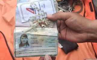 Tim Kopaska Temukan Barang Berharga Milik Penumpang Sriwijaya Air SJ182 - JPNN.com