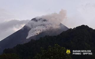 Awan Panas Gunung Merapi Meluncur Sejauh 1.000 Meter Menuju Kali Krasak - JPNN.com