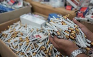 Bea Cukai Gagalkan Penyelundupan Ratusan Ribu Rokok Ilegal, Begini Kronologinya - JPNN.com