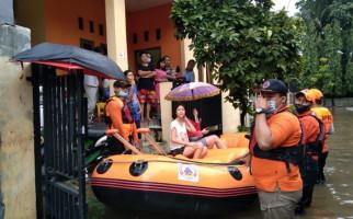 Warga Bekasi Harus Tahu, Ini Penyebab Banjir dan Genangan Air - JPNN.com