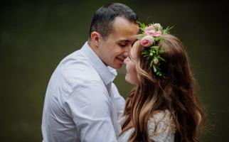 3 Tanda Suami Begitu Sayang Padamu Walau Jarang Mengatakan Kata Cinta - JPNN.com