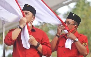 Jelang Putusan Sela MK, Eri Cahyadi dan Armudji Berdoa dan Berdiskusi Bersama Warga - JPNN.com