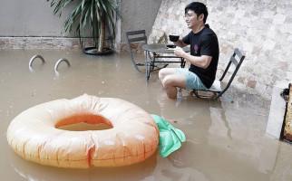 Nicky Tirta: Baru 2 Kali Ini Rumah Ikut Kebanjiran - JPNN.com