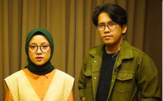 Nissa Sabyan Berkemah, Ayus Asyik di Air Terjun - JPNN.com