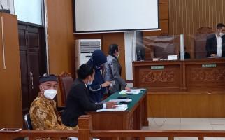 Polisi Absen Lagi di Sidang, Kubu Habib Rizieq Pilih Mengajukan Permohonan Ini pada Hakim - JPNN.com