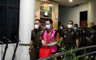 Kejagung Temukan 36 Lukisan Berlapis Emas Saat Geledah Apartemen Jimmy Sutopo - JPNN.com