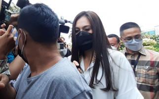 3 Berita Artis Terheboh: Kelakuan Suami Yuyun Diungkap, Wulan Guritno Menjanda Lagi - JPNN.com