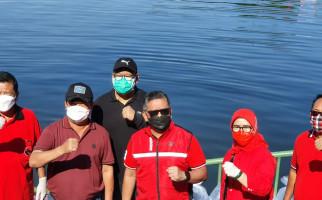 Air Waduk Rawa Lindung Tercemar Limbah, Aksi PDIP Tebar Benih Ikan Dipindah - JPNN.com