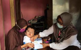 Mensos Berikan Bantuan Rp 5 Juta untuk Perkuat Ekonomi Keluarga PM hidrosefalus - JPNN.com