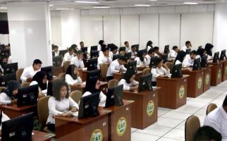 Jelang Pendaftaran CPNS dan PPPK 2021, Mendikbud Serahkan Materi Soal Tes CASN - JPNN.com