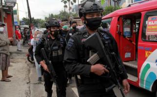 Serang Anggota Densus 88 Pakai Pedang, MT Langsung Ditembak Mati - JPNN.com