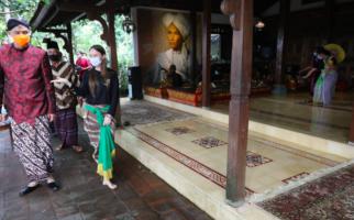 Penari asal Inggris Rachel Harrison Tampilkan Tarian Jawa di Hadapan Pak Ganjar - JPNN.com
