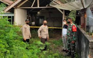 Bau Busuk Menyengat dari Rumah Kosong, Polisi dan Tentara Datang - JPNN.com