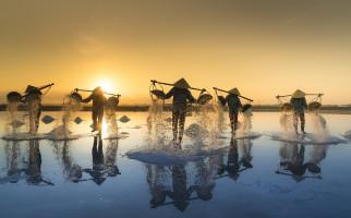 Ini 5 Manfaat Air Garam yang Perlu Anda Ketahui, Salah Satunya Mengurangi Masalah Pernapasan - JPNN.com