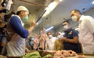 Ditanya Mendag Lutfi, Pedagang Ayam Bilang Begini - JPNN.com