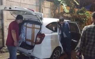 Tim Bareskrim Sergap 2 Mobil, S Tertangkap, Dua Orang Lolos - JPNN.com
