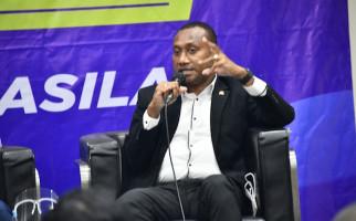 Yan Mandenas: Penyelesaian Kekerasan di Papua Harus Melalui Jalan Dialog dan Rekonsiliasi - JPNN.com