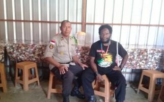 Abelom Kogoya Sempat Diancam Ditembak Mati KKB Pimpinan Numbuk Telenggen - JPNN.com