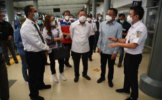 Komisi V DPR Meninjau Pelarangan Mudik di Stasiun Pasar Senen - JPNN.com