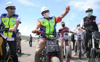 Pantau Kesiapan MotoGP, Sandiaga: Penggantian Lahan Sirkuit Mandalika sudah Sesuai Ketentuan - JPNN.com