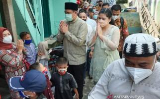 Bobby Nasution Mendapat Kabar tentang Nasib Warganya, Langsung Bergerak Bersama Istrinya - JPNN.com