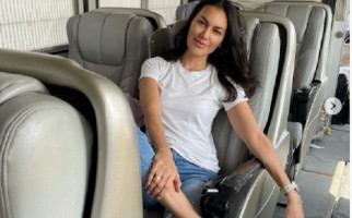 Berlibur ke Bali Naik Bus, Sophia Latjuba: Saya Benci Terbang - JPNN.com