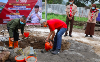 Pak Ganjar Beri Hadiah Terindah untuk Warga Tawangmangu - JPNN.com