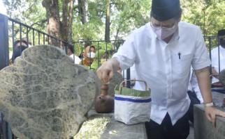 Ziarah ke Makam Leluhur, Airlangga Hartarto Dinilai Lestarikan Tradisi - JPNN.com