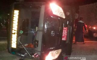 Mobil Tahanan Terbalik, Lihat, Begini Kondisinya - JPNN.com