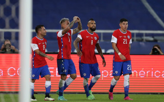 Copa America 2021, Gara-gara Wanita, Arturo Vidal Beserta Rekannya Terancam Dipulangkan - JPNN.com