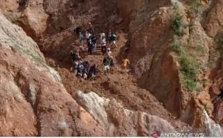 6 Penambang Timah Ilegal di Bangka Tertimbun Longsor, 2 Tewas - JPNN.com