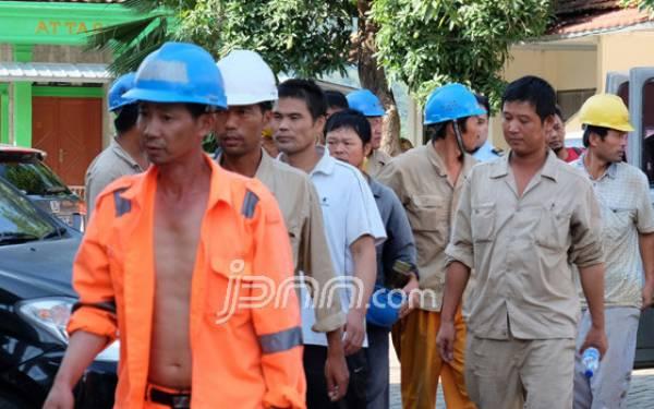 Diserbu Tenaga Kerja Asing, Pemda Harus Buat Perda - JPNN.com
