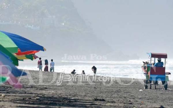 Mudik ke Jogja? Nikmati Keindahan 10 Pantai Ini - JPNN.com