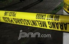 Mobil Perwira TNI jadi Korban Pelemparan Batu dari Atas JPO - JPNN.com