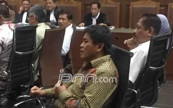 Anggota DPR: Nanti Saya Sobek Nih.. - JPNN.com