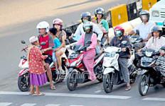 Hati-Hati, Bederma di Jalan Kota Pangkalpinang Bakal Didenda Rp 1 Juta - JPNN.com