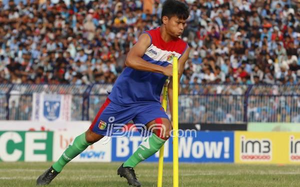 Dedi Gusmawan Jalani Latihan Perdana dengan Semen Padang - JPNN.com