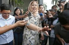Duh! Anggota DPR Tuding Ibu Bupati Cantik Terima Suap - JPNN.com
