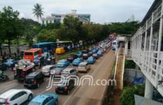 Selama Pembatasan Sosial, Kendaraan Pribadi Boleh Lalu Lalang dengan Syarat - JPNN.com