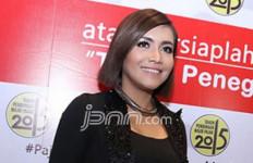 Kerinduan Denada pada Ihsan Tarore - JPNN.com