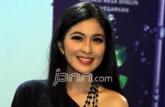 Baru Lahir, Bayi Sandra Dewi Sudah Senang Difoto - JPNN.com
