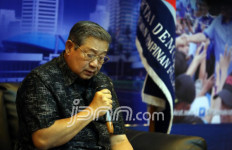 Ibas Minta Anak Yatim Doakan Pak SBY - JPNN.com