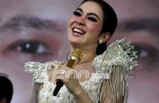 Ketemu Kim Kardashian, Syahrini: Ya Allah Kejeblos - JPNN.com